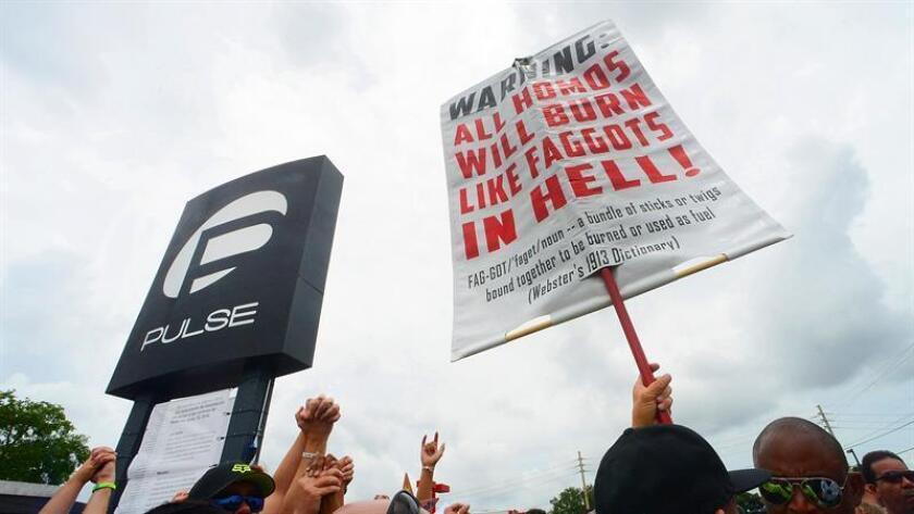 El gobernador de Florida, Rick Scott, declaró hoy el 12 de junio como el día para recordar a las 49 víctimas de la matanza en el club gay Pulse de Orlando, en el centro del estado, en la víspera de su segundo aniversario. EFE/ARCHIVO