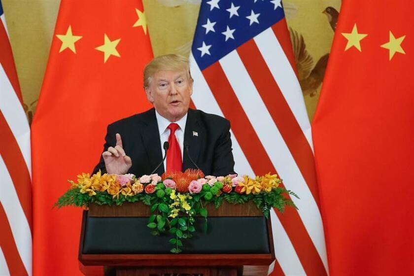 La Administración del presidente Donald Trump planea medidas para impedir que empresas chinas compren firmas tecnológicas estadounidenses y para bloquear nuevas exportaciones de tecnología al gigante asiático, según publica hoy The Wall Street Journal. EFE/Archivo