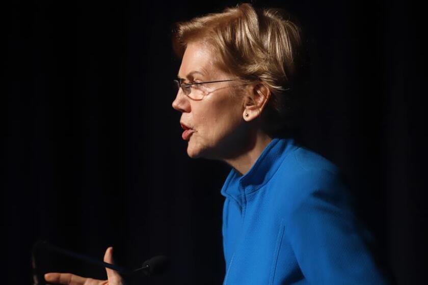 La senadora demócrata estadounidense Elizabeth Warren pronuncia una conferencia. EFE/Archivo