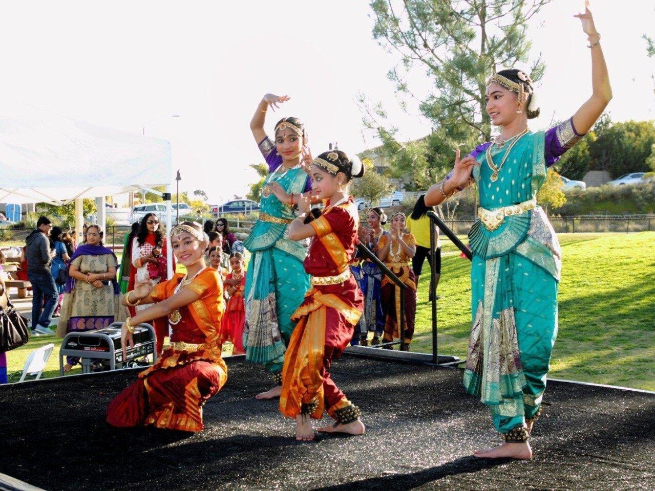Dancers from Natasha School of Bharathanatyam