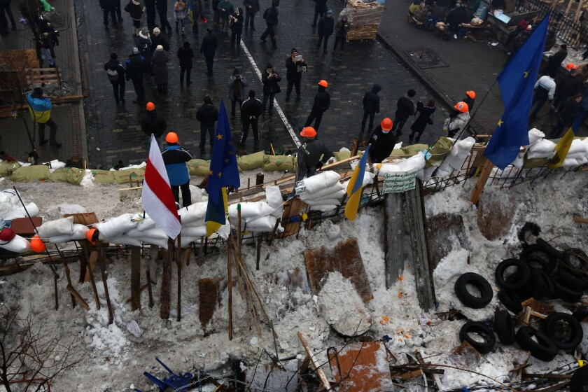 Protesters in the Ukraine capital, Kiev, erected a new barricade in Independence Square on Thursday to replace one dismantled by police the previous day.