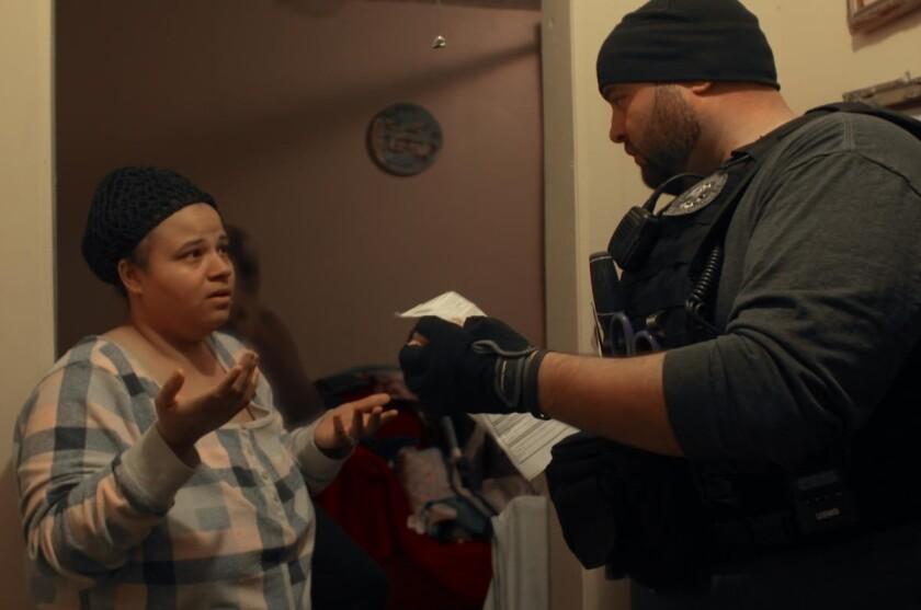 """Una escena del primer episodio de la serie documental """"Immigration Nation""""."""