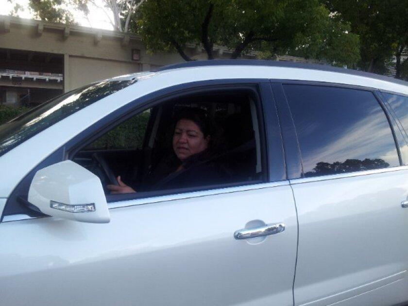 Gabriela González tiene que utilizar la carretera 91 constantemente y sabe que el tráfico puede ser catastrófico si no toma precauciones de tiempo.