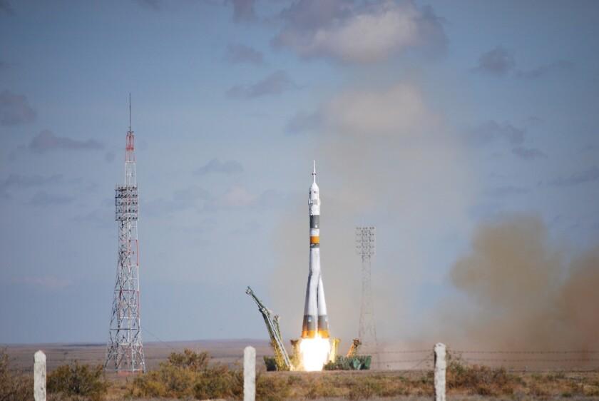 Soyuz rocket blast