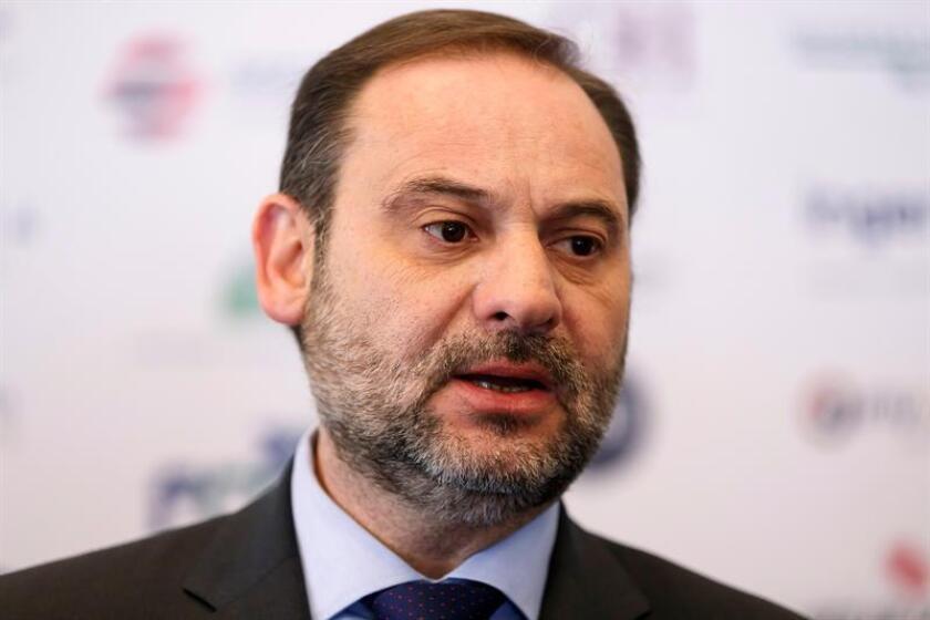 El ministro español de Fomento, José Luis Ábalos, ofrece declaraciones a la prensa, este miércoles, en Ciudad de México (México). EFE