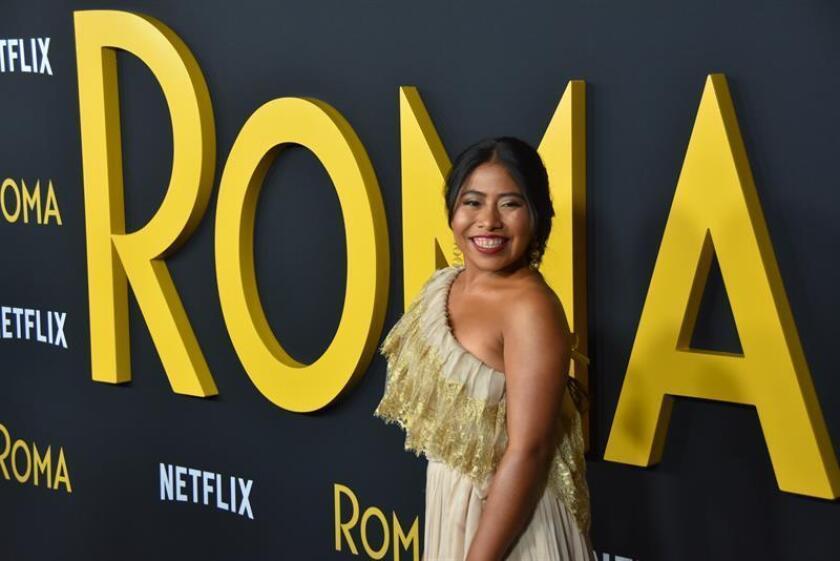 """Fotografía de la actriz Yalitza Aparicio durante el lanzamiento de la película """"Roma"""" en el Teatro Egipcio de Hollywood (EE.UU.). EFE/Archivo"""