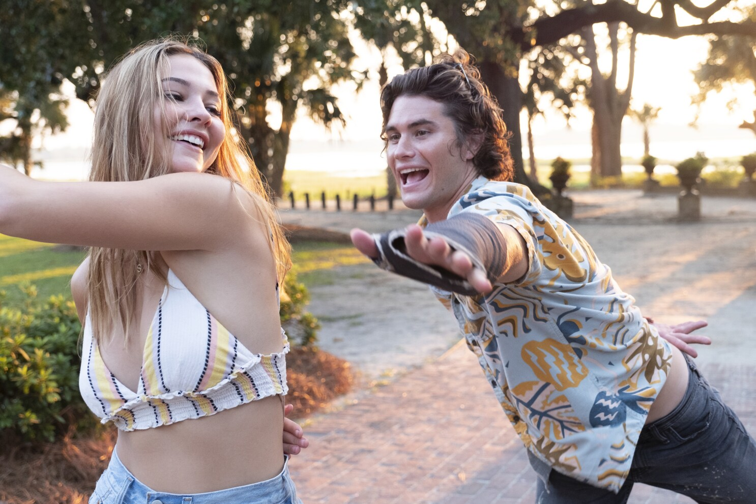 Outer Banks' stars Chase Stokes, Madelyn Cline are dating - Los Angeles  Times
