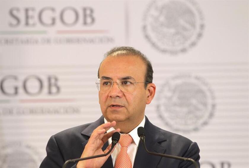 El secretario de Gobernación (Interior), Alfonso Navarrete Prida, habla durante una conferencia de prensa, en Ciudad de México (México). EFE/Archivo
