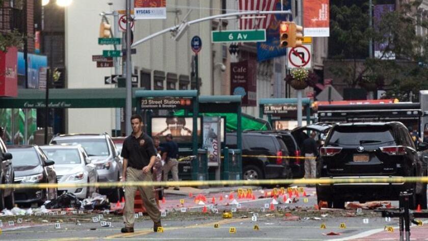 """El gobernador de Nueva York dijo que quienes quiera que hayan sido los responsables de colocar las dos bombas en Manhattan, las autoridades """"van a encontrarlos"""" y serán llevados ante la Justicia para responder por lo ocurrido."""