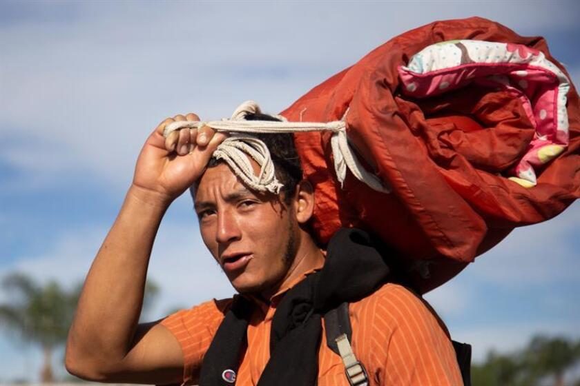 Grupos de migrantes centroamericanos continúan su recorrido por carreteras del estado Jalisco para encontrarse con los cerca de cuatro mil que ya han arribado a la fronteriza Tijuana. EFE/Archivo