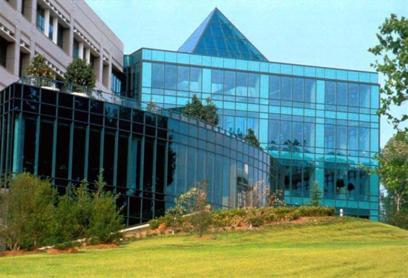 Fotografía sin fecha facilitada por GlaxoSmithKline que muestra la sede de GlaxoSmithKline Phamaceuticals R & D en Carolina del Norte (Estados Unidos). EFE/Archivo