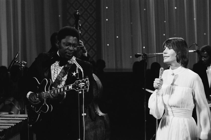 Blues great B.B. King and Australian-born singer Helen Reddy perform.