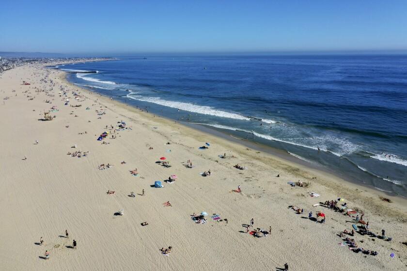 530535_la-me-heat-wave-beaches-oc_14_AJS.jpg