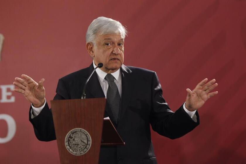 El presidente de México, Andrés Manuel López Obrador, ofrece una rueda de prensa, al término de la reunión con el gabinete de seguridad hoy en Ciudad de México (México). EFE