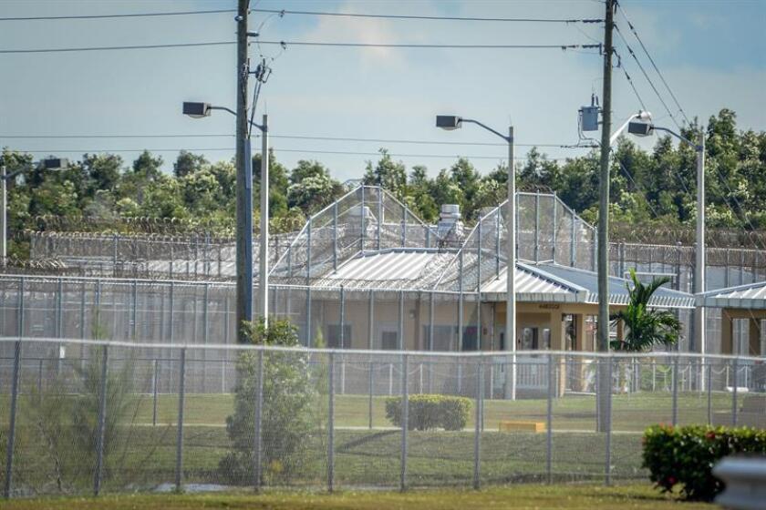 Un inmigrante guatemalteco que pidió asilo en Estados Unidos salió en libertad tras permanecer durante 21 meses en un centro de detención en Nuevo México y se reunió hoy de nuevo con su familia gracias a una demanda interpuesta por la Unión de Libertades Civiles (ACLU). EFE/Archivo