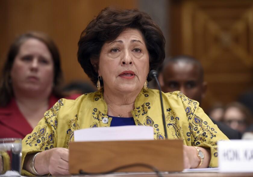 Fotografía de archivo del 25 de junio de 2015 muestra a Katherine Archuleta, directora de la Oficina de Administración de Personal el gobierno federal, en el Capitolio, en Washington.