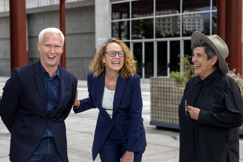 Klaus Biesenbach, Ann Philbin y Kristy Edmunds