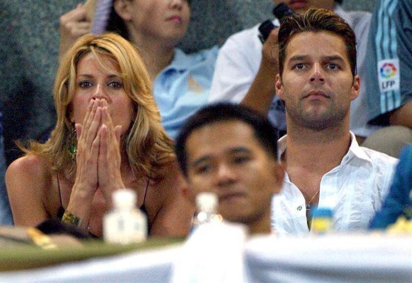 La conductora mexicana Rebeca de Alba reveló que durante su relación con el cantante puertorriqueño Ricky Martin sí llegó a estar embarazada, aunque finalmente perdió al bebé. EFE/ARCHIVO