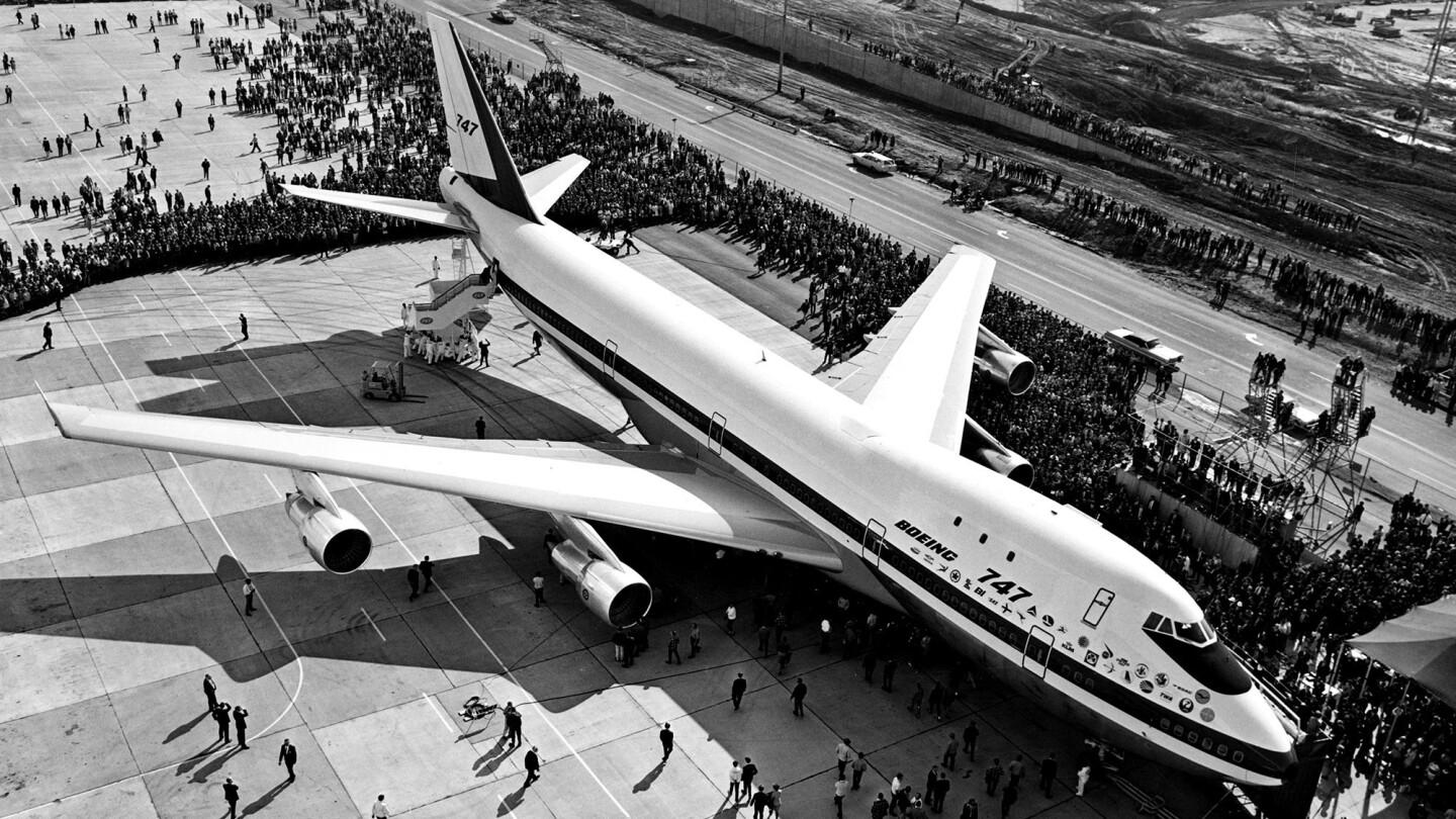 The Boeing 747 | Queen of the skies