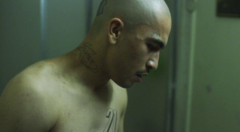 Abraham Bobadilla interpreta a Lito, un delincuente latino de Los Ángeles cuya falta de control lo meterá en muchos problemas.