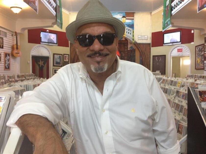 Autor panameño Omar Alfanno y fundación envían 130 toneladas ayuda a P.Rico