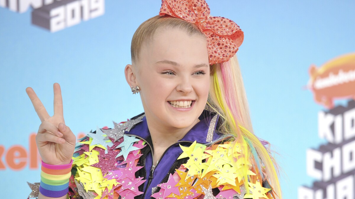 Jojo Siwa Is So Happy But Not Ready To Label Her Sexuality Los Angeles Times