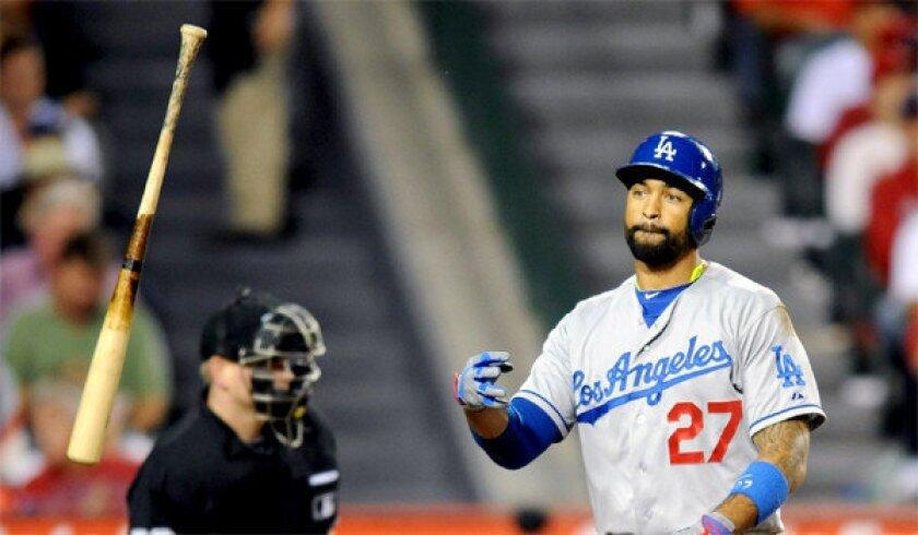 Dodgers fight that bad feeling after Matt Kemp injures hamstring