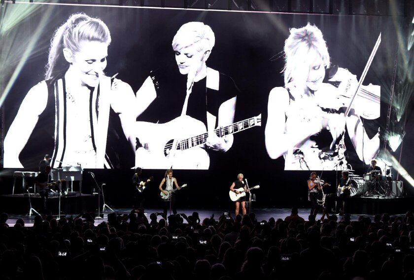 Dixie Chicks are back on top again - The San Diego Union-Tribune