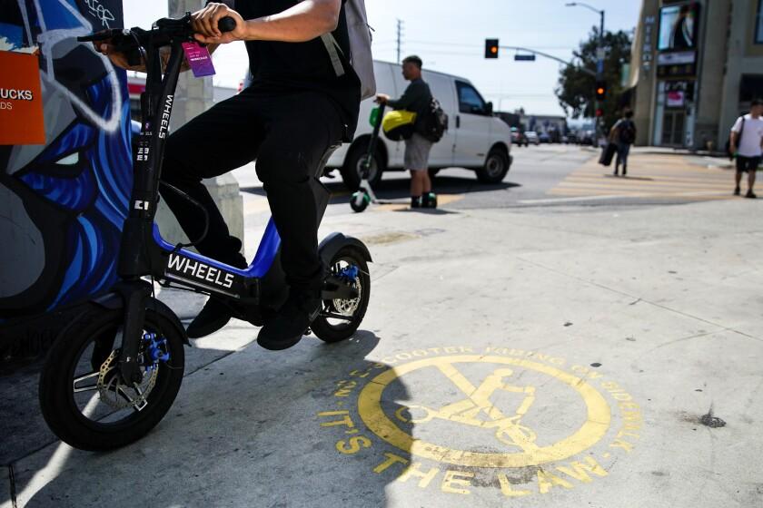 la-photos-1staff-463539-me-scooter-enforcement-kkn-59238-205639988