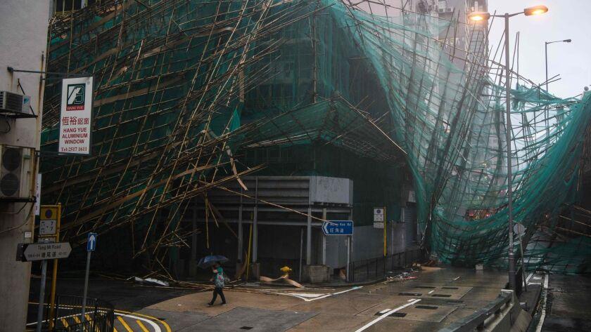 TOPSHOT-HONG KONG-PHILIPPINES-CHINA-TYPHOON-MANGKHUT