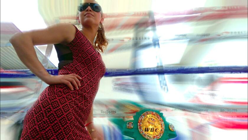 Zulina 'La Loba' Muñoz, campeona mundial Supermosca del Consejo Mundial Boxeo (CMB).