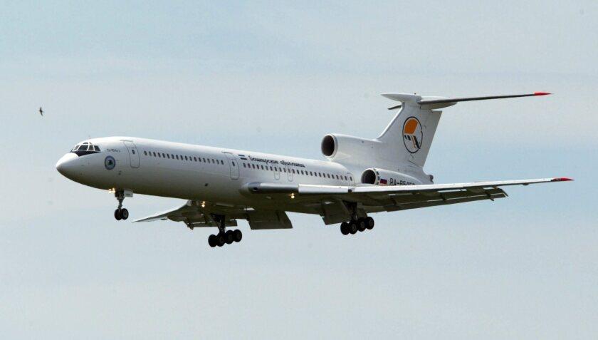 Foto de archivo de un avión ruso TU-154.