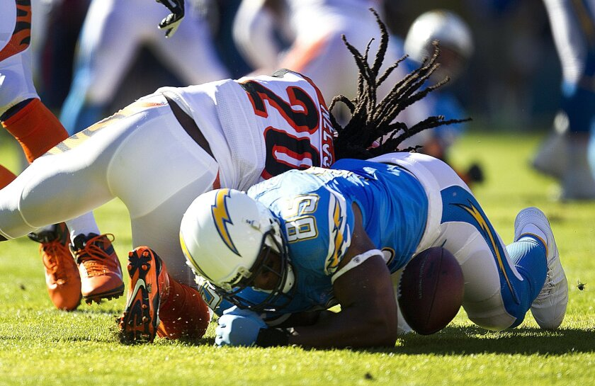 San Diego Chargers lose to the Cincinnati Bengals 17-10 at Qualcomm Stadium. Antonio Gates fumbles in the first quarter close to the endzone, and it was recovered by George Lloka.
