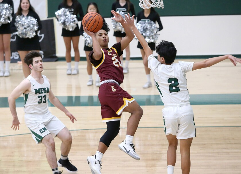 Estancia boys' basketball outlasts Costa Mesa to stay perfect in Orange Coast League