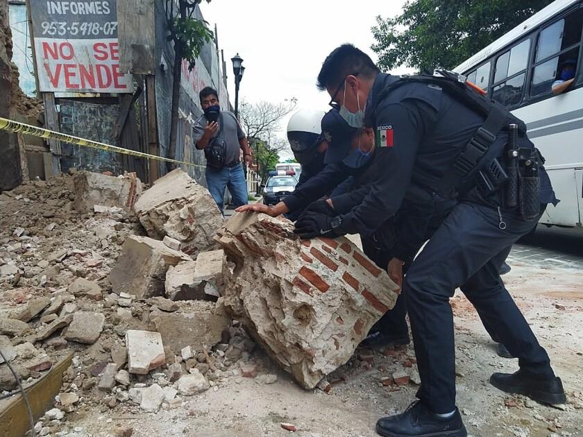 Sismo de magnitud 7.5 aviva en México los fantasmas de 2017 y deja ...