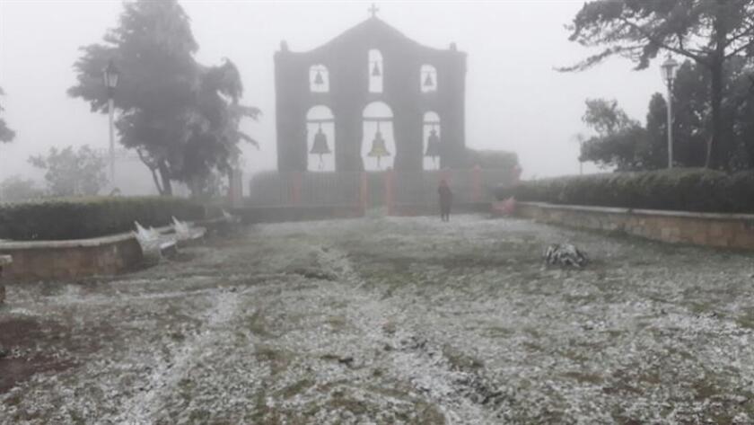 Un frente frío causará heladas en al menos diez estados mexicanos en las próximas 72 horas, además de vientos que refrescarán buena parte del país esta Nochebuena, informó hoy el Servicio Meteorológico Nacional (SMN). EFE/ARCHIVO