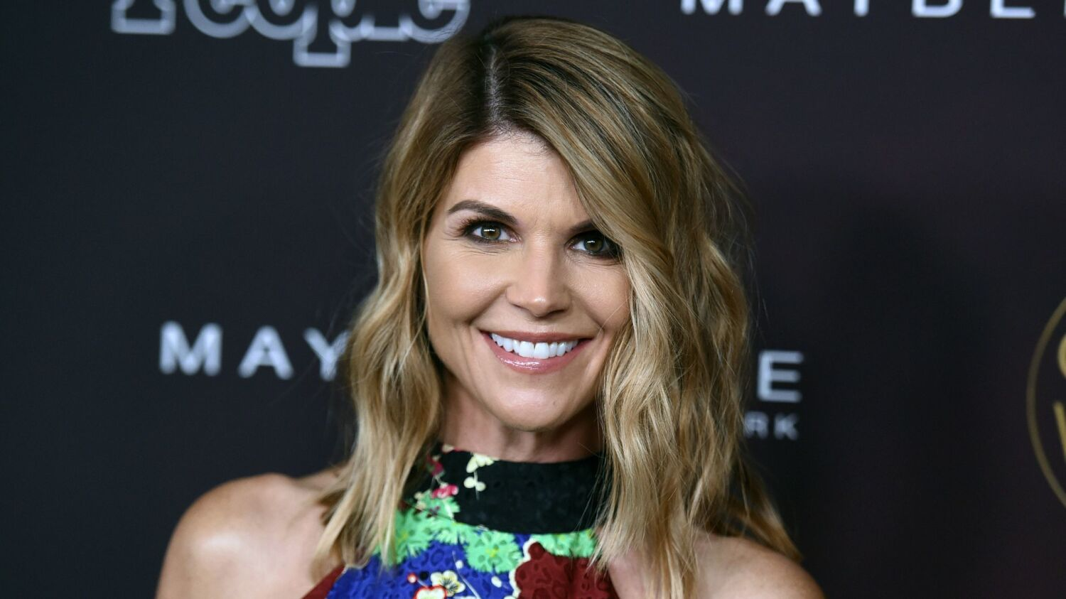 USC questioned whether Lori Loughlin's daughters were really athletes a year before admissions scandal