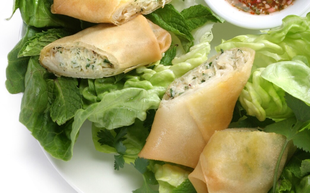 Spring rolls with crab and herbs