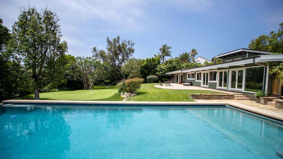 Dennis Haysbert's Malibu estate   Hot Property
