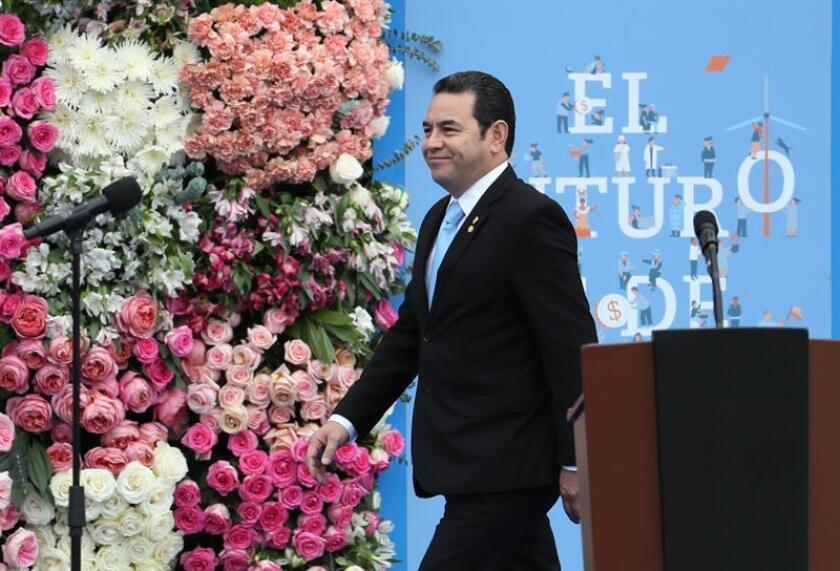 El presidente electo de México, Andrés Manuel López Obrador, se reunirá con el mandatario de Guatemala, Jimmy Morales, el próximo martes en lo que será su primer encuentro con un Jefe de Estado, anunció hoy el próximo canciller mexicano Marcelo Ebrard. EFE/ARCHIVO