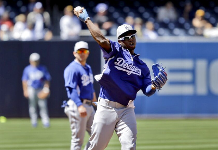 Dodgers' Hanley Ramirez to get cast removed this week