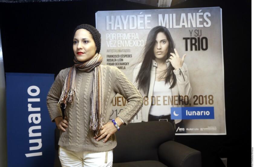 Una noche romántica fue lo que preparó Haydée Milanés para sus fans mexicanos quienes se dieron cita la noche de este jueves en el Lunario del Auditorio Nacional.