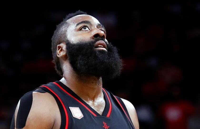 En la imagen, James Harden de los Rockets de Houston. EFE/Archivo