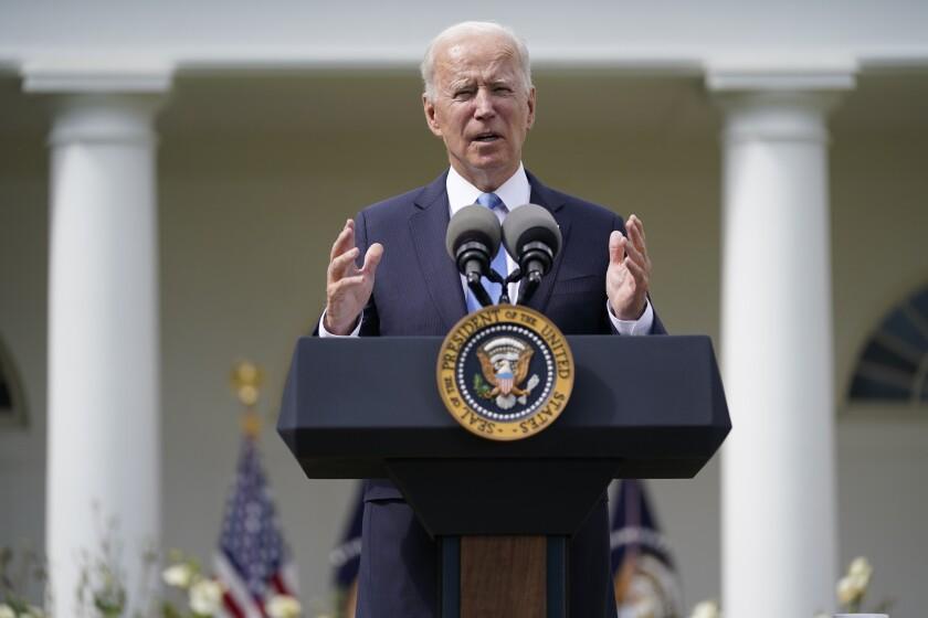 Biden se reúne con dreamers en la Casa Blanca - Los Angeles Times