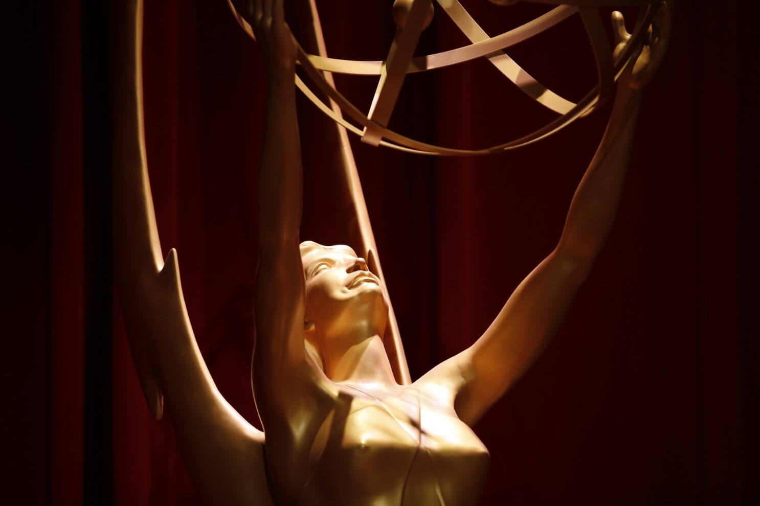 2019 Emmys, following Oscars, to go without host