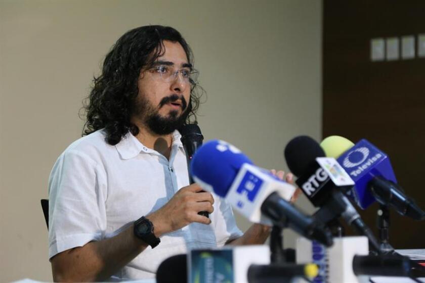 Jorge Medina Rangel habla hoy, lunes 10 de septiembre de 2018, durante una rueda de prensa en la ciudad de Acapulco, Guerrero (México). EFE