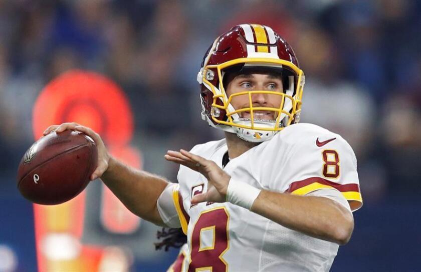 El mariscal de campo de los Redskins, Kirk Cousins, completó 14 de 21 pases para 234 yardas, con dos pases de touchdown y un envío interceptado. EFE/Archivo