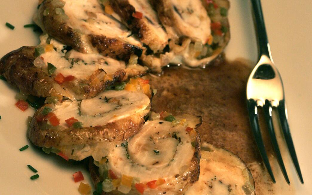 Chicken roulade with bell pepper mirepoix