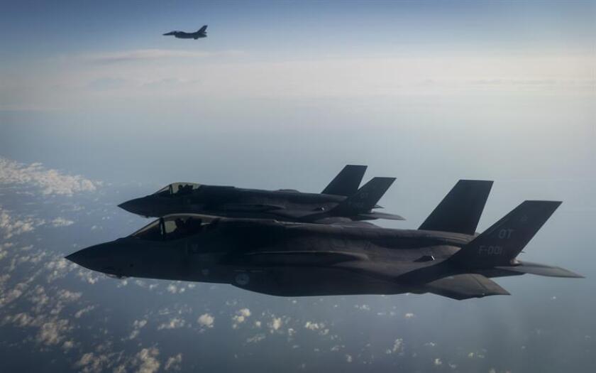 """El Departamento de Estado aprobó hoy la venta a Bélgica de 34 cazas F-35, así como de 34 motores Pratt & Whitney F-135, por valor de 6.530 millones de dólares, una operación que, además, servirá para fortalecer """"la estabilidad política y económica"""" en Europa. EFE/ARCHIVO"""