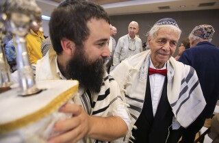 San Diegan celebrates his bar mitzvah at 88